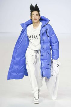 Supercomma b Fall-Winter 2017/18 - Seoul Fashion Week