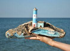 Добрый вечер всем ☺️!!! Мне кажется, что это сааааамая морская композиция, которую я делала. Для меня это воплощение настоящей морской атмосферы: отвесная скала, труднодоступные уголки, куда тяжело добраться человеку, маячок и лодка _____________________________________ #дрифтвуд #море #голубицкая #краснодарскийкрай #отдых #отпуск #подарок #сувениры #красота #дерево #изделияиздерева #домики #дом #dom #house #handmade #ручнаяработа #искусство #art #азовскоеморе #черноеморе #хэндмэйд...