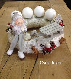 Winter Christmas, All Things Christmas, Christmas Wreaths, Christmas Crafts, Christmas Decorations, Xmas, Christmas Ornaments, Holiday Decor, Advent Wreath