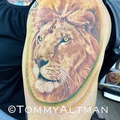 Thanks Beth. #liontattoo #sandbridgetattoo #tattoo #757 #vabeach #tattoos #thickerthanblood #Tattoochurch #tommyaltman #tommyaltmantattoos #theartofliving #artofliving #livefree #givehope