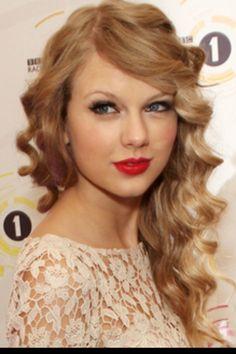 Taylor swift curls!!