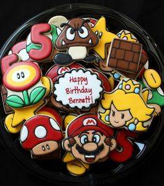 Super Mario Bros cookies by eliza Super Mario Birthday, Mario Birthday Party, Super Mario Party, Birthday Bash, Happy Birthday, Cupcakes Super Mario, Mario Cake, Cute Cookies, Cupcake Cookies