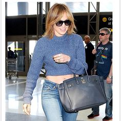 c80ae43c970f7 145 Celebrity-Inspired Outfits to Wear on a Plane - Jennifer Lopez from