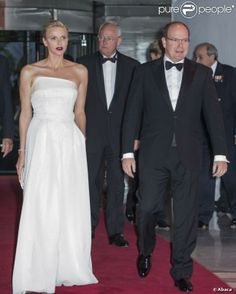 MYROYALS &HOLLYWOOD FASHİON: Prince Albert and Princess Charlene Attend a Gala Dinner in Monaco