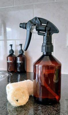 Puurenluchtig.nl Olie, Diy Cleaning Products, Soap Dispenser, Diys, Soap Dispenser Pump, Bricolage, Do It Yourself, Homemade, Diy