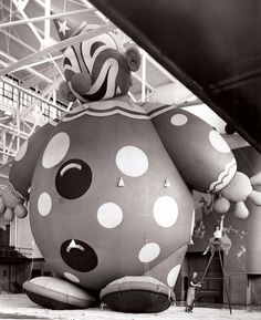 Community Post: Macy's Thanksgiving Parade Balloons Since 1927