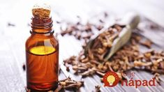 There are a myriad of tea tree oil benefits in today's society. Tea tree oil is a necessity in one's arsenal of natural medicinal products. Coconut Oil Eyelashes, Coconut Oil For Teeth, Coconut Oil Uses, Cinnamon Health Benefits, Coconut Benefits, Oil Benefits, Tea Tree Oil Uses, Tea Tree Oil For Acne, Superfood