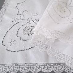 Vintage Italian Linen POINT De VENISE Filet LACE Tablecloth WHITEWORK  Embroidery