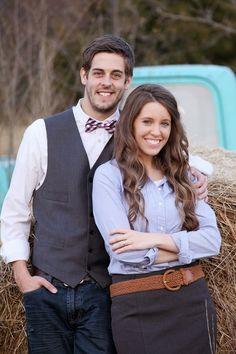 Jill Duggar and Derick Dillard engagement photos