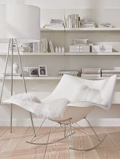 White Wednesday: A creative rocking chair sits perfectly in this all white living room. Home Decor Shelves, Wall Shelves, Casa Clean, Ideas Hogar, Design Moderne, White Rooms, White Houses, White Decor, Interiores Design