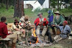 rendezvous-mountain men, and squaw, sit around the fire telling tale tales Mountain Man Rendezvous, Longhunter, Fur Trade, Yahoo Images, Rocky Mountains, Image Search, Survival, Man Art, Explore
