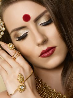 Bridal Gallery :: Khush Mag - Asian wedding magazine for every bride and groom planning their Big Day Asian Bridal Makeup, Bridal Gallery, Indian Hairstyles, Makeup Forever, Party Makeup, Bridal Make Up, Indian Bridal, Red Lips, Indian Beauty