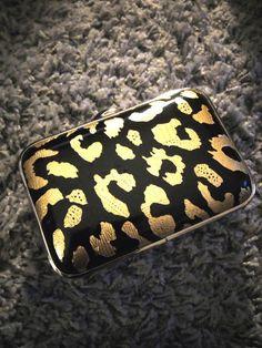8d8f493d59 Minaudière léopard noire et dorée Love Weaves Sac Femme, Porte Monnaie,  Mode Femme