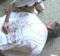 Make a back rub shirt for dad - kids are very willing to help with this gift!
