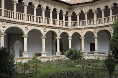 Mansions, House Styles, Home Decor, Arquitetura, Dibujo, Spanish Revival, Monuments, Cities, Viajes