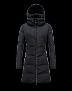 MONCLER RENNE  Indispensable pendant les mois hivernaux, ce manteau doudoune signé Moncler brille par son élégance et sa modernité. Il vous suivra aussi bien en ville qu'à la montagne.  €321, Jusqu'à -71%  Acheter maintenant: http://www.monclerfr.com/manteau-chaud-femme.html
