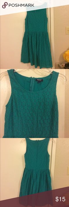 Old Navy 100% cotton lace Crochet teal dress 6 s Great condition Old Navy Dresses