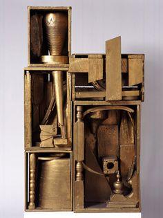 Louise Nevelson -   Royal Winds III  Königliche Winde III  1960  Assemblage  mehrteilig, vergoldetes Holz  138 × 78 × 38 cm