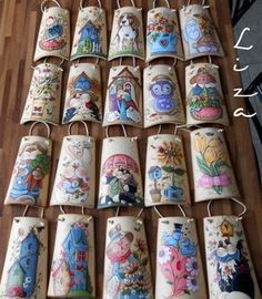 CountryLiza – Shyla – Join in the world of pin Diy Crafts To Sell, Diy Crafts For Kids, Arts And Crafts, Sell Diy, Tole Painting Patterns, Craft Patterns, Clay Roof Tiles, Tile Crafts, Country Paintings