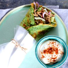 Ægge-wraps med spicy svinekød Dukan Diet, Wraps, Lchf, Avocado Toast, Spicy, Favorite Recipes, Breakfast, Ethnic Recipes, Coats