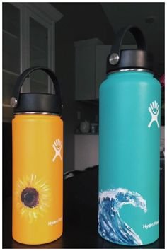 VSCO - Thanks for all the republishes and favorites! Water Bottle Art, Cute Water Bottles, Hydro Painting, Bottle Painting, Custom Hydro Flask, Hydro Flask Water Bottle, Diy Art, Artsy, Cups