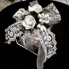 Gümüş ve dantel karışımı... #heradesign #özeltasarım #nikah #düğün #nişan #wedding #nikahşekeri #weddingfavors #nikahhediyelikleri #nişanhediyesi # davetiye #davetiyemodelleri #invitation #card #şekerkutusu #favorbox #çiçeklikutu #flowerbox #akrilikkutu