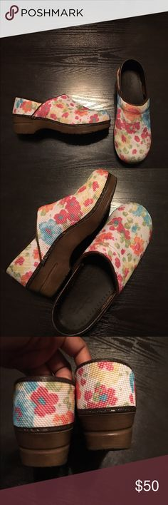 Clogs Original Danish clogs. Floral color. Preloved as seen in last picture,in great condition 🎈it's a size 39- which is a 9, but it should fit better on a size 8 Original Danish Clogs Shoes Mules & Clogs