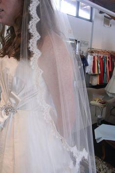 """Fingertip Length Lace Trimmed Wedding Veil - 45"""" - Madelyn"""