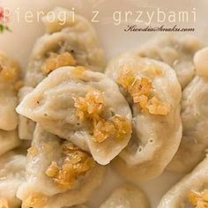 Pierogi z kapustą i grzybami | Kwestia Smaku Vegan Christmas, Christmas Baking, Polish Christmas, World's Best Food, Good Food, Polish Recipes, Polish Food, Cooking Recipes, Healthy Recipes