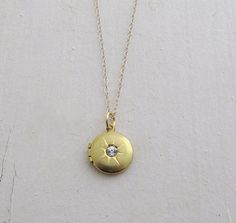 Starburst Locket Necklace Rhinestone by laurenblythedesigns, $32.00 #vintage #locket #starburst #holiday #gold #jewelry