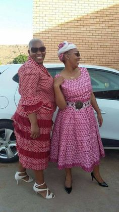 Newest Shweshwe Dresses for modern women, The fashions and styles are assorted and it's affable to s Sotho Traditional Dresses, African Traditional Dresses, Seshweshwe Dresses, Summer Dresses, Ethnic Fashion, African Fashion, Dress Picture, Gowns, Reflection