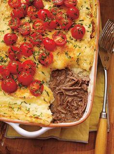 Ricardo& recipe : Braised Beef and Oka Cheese Sheperd's Pie Cheese Recipes, Gourmet Recipes, Beef Recipes, Cooking Recipes, Recipies, Ricardo Recipe, Confort Food, Stewed Potatoes, Healthy Snacks