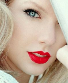 Taylor Swift ♥ her eyes ❤️ Taylor Swift Hot, Style Taylor Swift, Swift 3, Taylor Swift Makeup, Behind Blue Eyes, Taylor Swift Pictures, Tips Belleza, Celebs, Celebrities