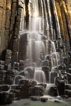 Prismas basálticos en el Pueblo Mágico: Huasca de Ocampo Pachuca de Soto, Hidalgo, México