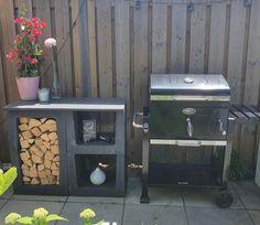 Bbq Area Garden, Garden Seating, Simple Outdoor Kitchen, Outdoor Kitchen Design, Bbq Table, Garden Solutions, Alfresco Area, Small Gardens, Outdoor Cooking
