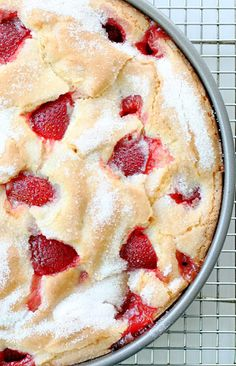 French Strawberry Cake Recipe The only French part of this dessert is the style of crust. French Strawberry Cake Recipe is a fancy pie effectively. It does taste amazing. It is as though you made stra Food Cakes, Cupcake Cakes, Cupcakes, Dessert Crepes, French Apple Cake, French Cake, Skillet Cake, Delicious Desserts, Yummy Food