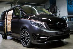 Official: Larte Design Mercedes-Benz V-Class Black Crystal - GTspirit Mercedes Benz Viano, Mercedes Bus, Private Jet Interior, Bus Interior, Luxury Van, Day Van, Expedition Vehicle, Audi Cars, Custom Vans