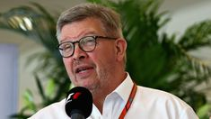 Bahrain Grand Prix: Formula 1 bosses to reveal sport's future    Formula 1 bosses will present their vision of the sport's future to the teams at the Bahrain Grand Prix on Friday.   http://www.bbc.co.uk/sport/formula1/43653774