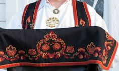 Folk Costume, Costumes, Scandinavian Embroidery, Looking For Someone, Traditional Dresses, Line Art, Norway, Celtic, Vest