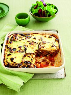Lamb moussaka with yoghurt topping - Healthy Food Guide Low Carb Recipes, Healthy Recipes, Steamed Vegetables, Thing 1, Greek Yoghurt, Moussaka, Lamb, Healthy Food, Lunch