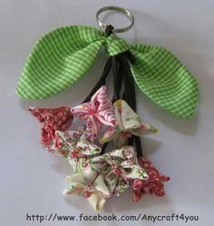 Flor dobradura Diy Flowers, Fabric Flowers, Paper Flowers, Cute Sewing Projects, Sewing Crafts, Diy And Crafts, Arts And Crafts, Ring Tutorial, Key Covers