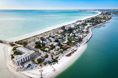 Want to skip the crowds of Orlando and Miami and do something a little different for your vacation in Florida? Head to one of these secret Florida vacation spots for your next family vacation. Florida Vacation Spots, Places In Florida, Visit Florida, Old Florida, Tampa Florida, Florida Travel, Florida Beaches, Naples Florida, Beach Travel