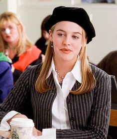 alicia silverstone style Recreate 7 Cher Horowitz Signature Looks For Spring Because Clueless Fashion Is The Best Fashion Fashion Kids, Fashion Tv, 2000s Fashion, Look Fashion, Fashion Fall, Fashion Beauty, Clueless Fashion, Clueless Outfits, Clueless Style