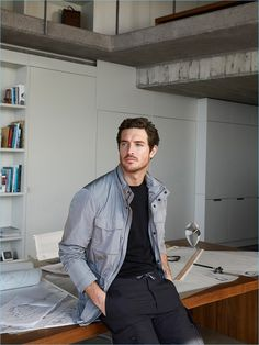 Justice Joslin Sports Massimo Dutti's Smart Essentials from Its Soft Collection Business Man Photography, Photography Poses For Men, Business Portrait, Ing Civil, Architect Fashion, Justice Joslin, Photographer Outfit, Photoshoot Inspiration, Menswear