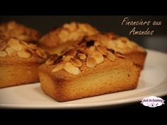 Recette des Financiers aux Amandes - YouTube Cake Factory, C'est Bon, Sweet Recipes, Banana Bread, Biscuits, French Toast, Cookies, Breakfast, Desserts