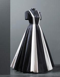 Evening dress by Cristóbal Balenciaga, 1939, Paris, Les Arts Décoratifs
