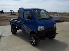 Japanese Mini Trucks | Custom 4x4 Off Road Mini Hunting Trucks | Japanese Imported Mini Trucks Suzuki Every, Mini 4x4, Hunting Truck, Custom Pickup Trucks, Automobile, Suzuki Jimny, Japanese Imports, Mini Trucks, Daihatsu