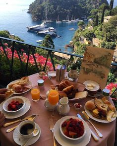 Ideas For Travel Pictures Quotes Vacations Oh The Places You'll Go, Places To Travel, Europe Places, Europe Europe, Breakfast Hotel, Romantic Breakfast, Eat Breakfast, Comida Picnic, Vacation Places