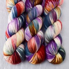 Bewitching blends purples, browns, blues and red over a creamy-pink base.This colorway is a Babette:...