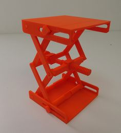 Fully Functional Platform Jack is Amazingly 3D Printable as One Piece — No Supports Required http://3dprint.com/84958/3d-printed-platform-jack/